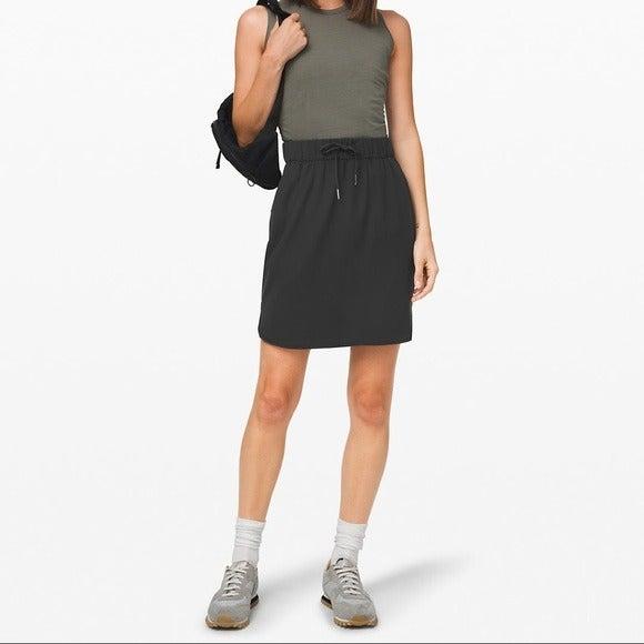 NWOT Lululemon Black On the Fly Skirt