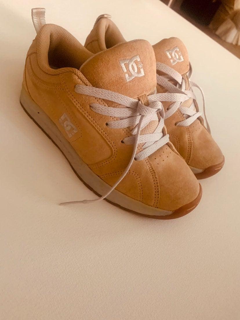 DC Skate Shoes Women's 7.5