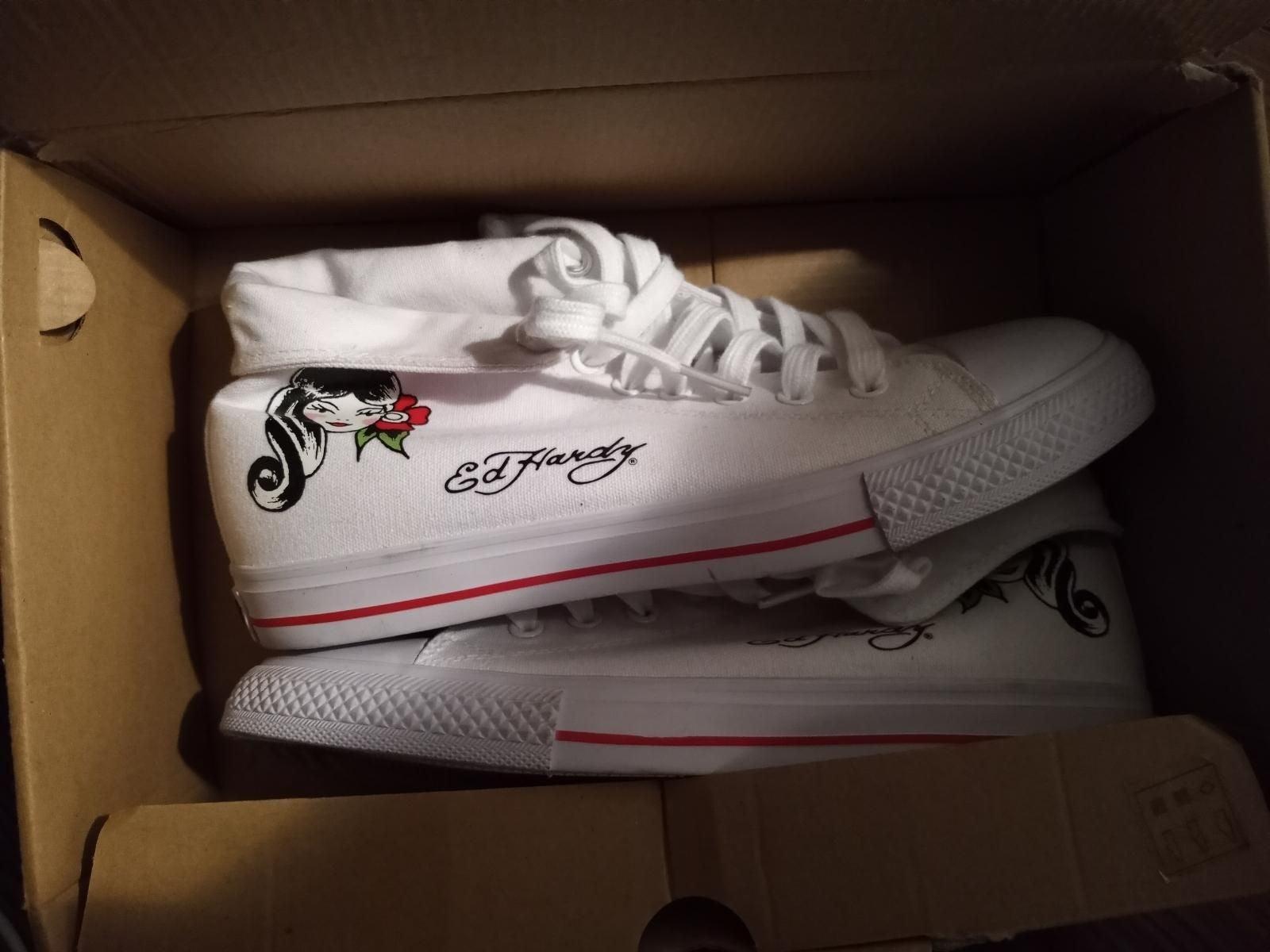 Ed hardy shoes brand new... Women  8 1 /