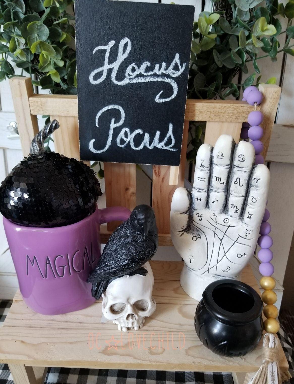 Farmhouse Plamistry fortune teller hand