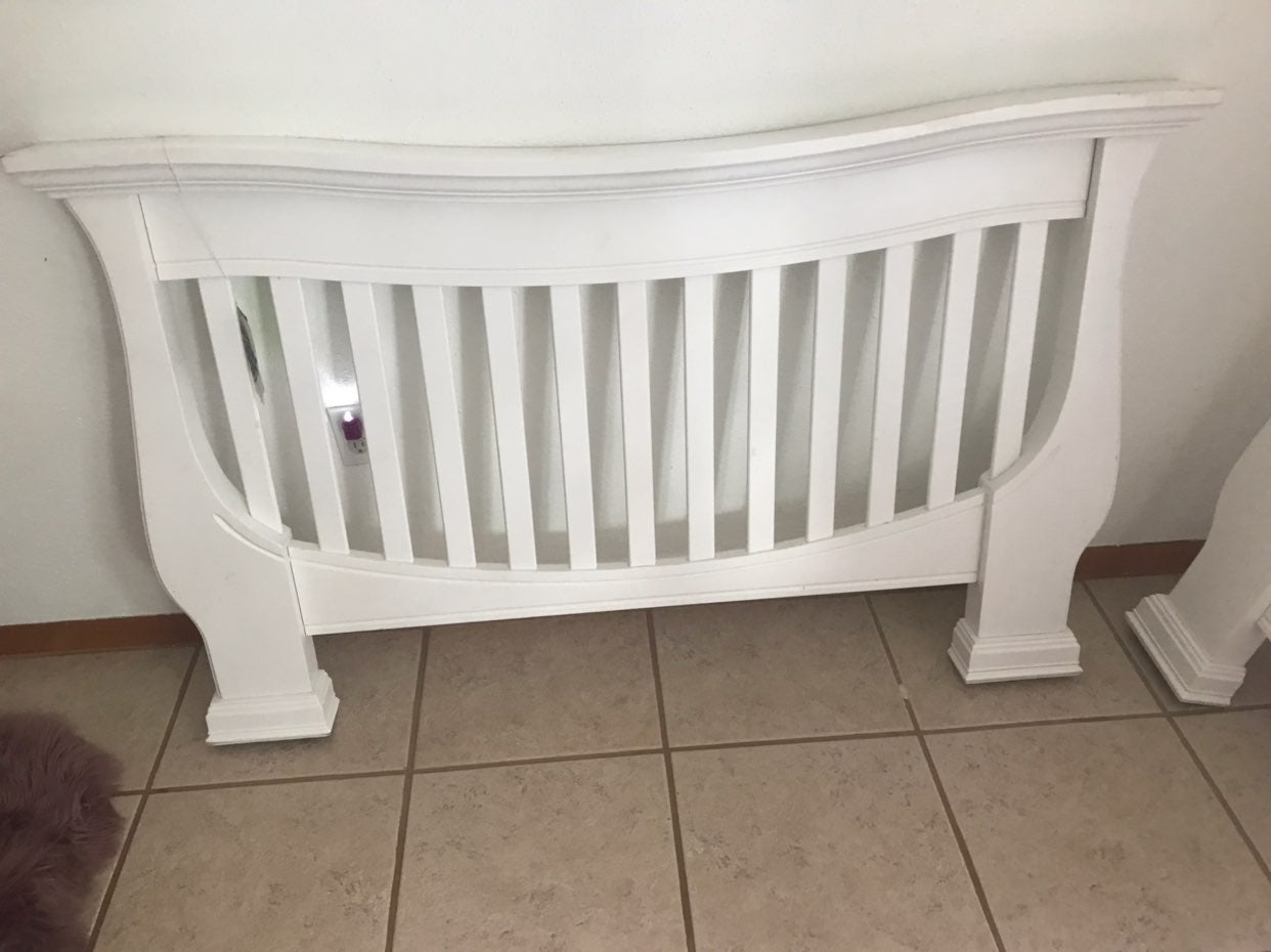 Full to twin bed headboard and footboard