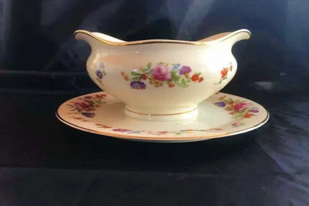 "Syracuse China Old Ivory ""Sharon"" Patter"