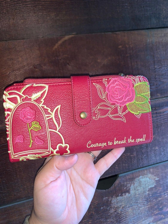 Super RARE belle wallet ❤️✨