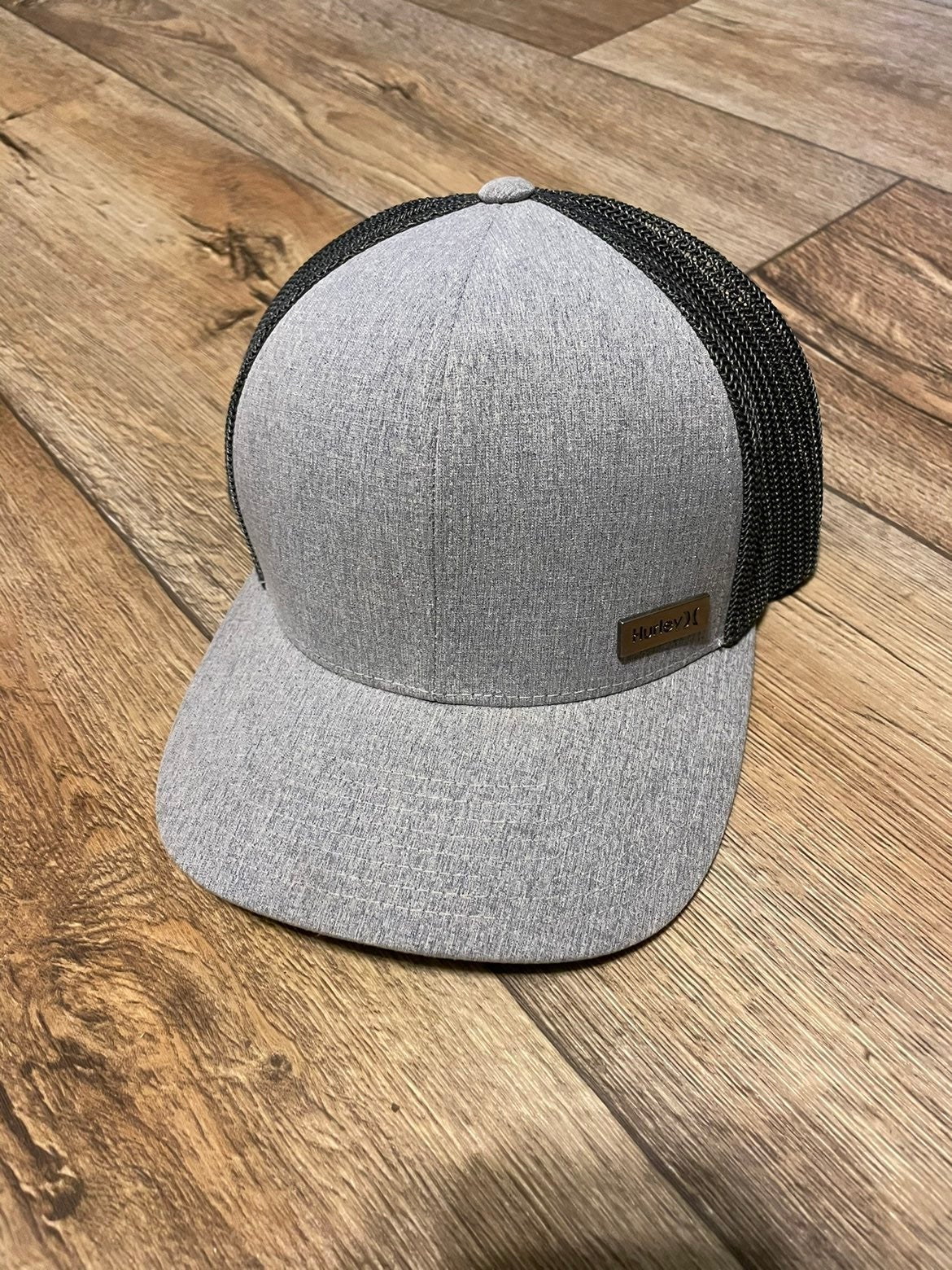 Like New Hurley Flexfit Fitted Hat S/M