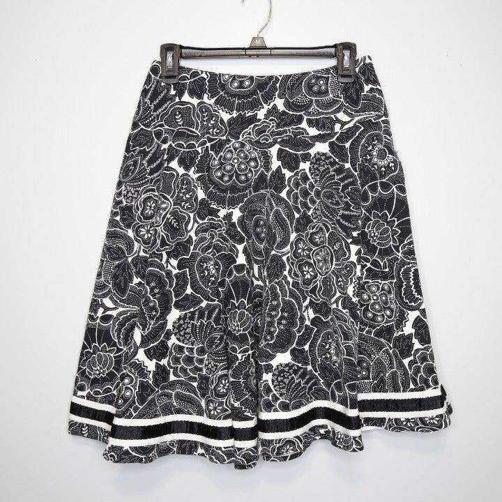 WHBM Black/White Lined Full Skirt