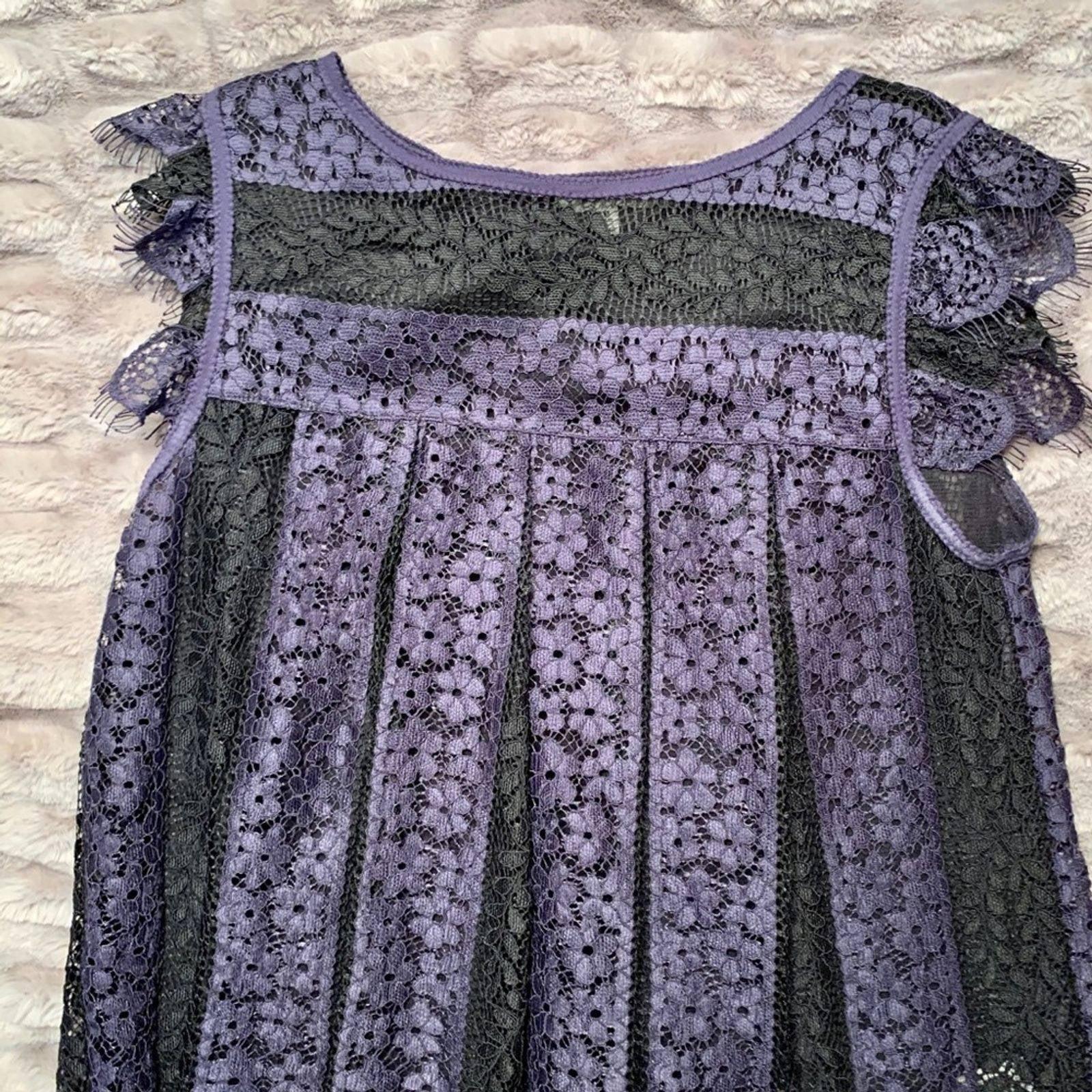 Max studio Lace top blue & black Size M
