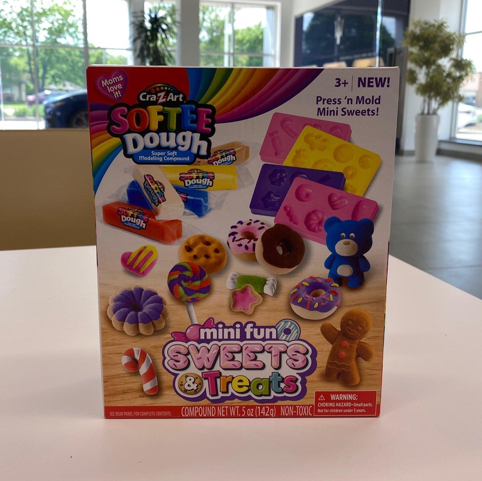 NEW Softee Dough Sweets & Treats