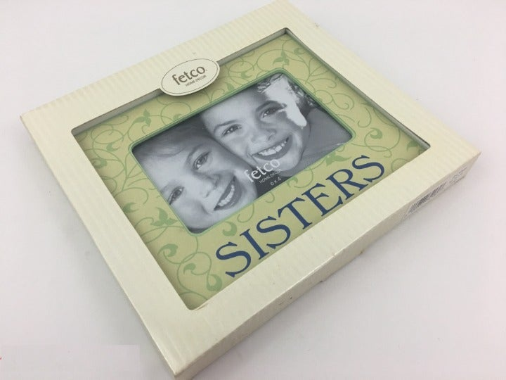 """Fetco """"Sisters"""" 6 x 4 Picture Frame"""