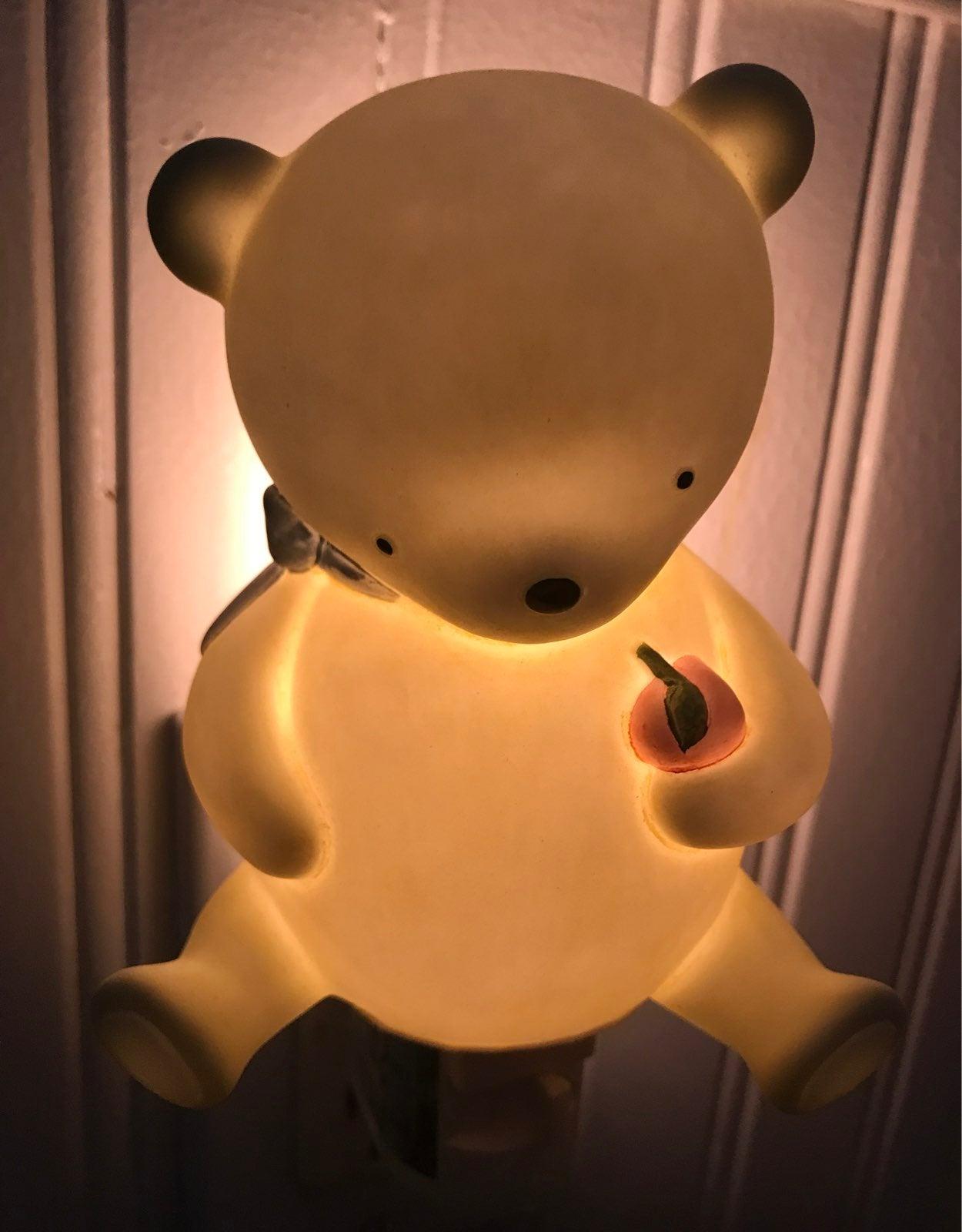 La Dee Da Bear plug-in night light NEW!