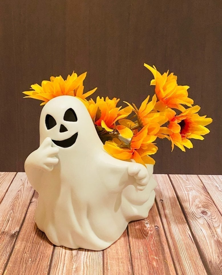Vintage Antique Ghost Flower Pot