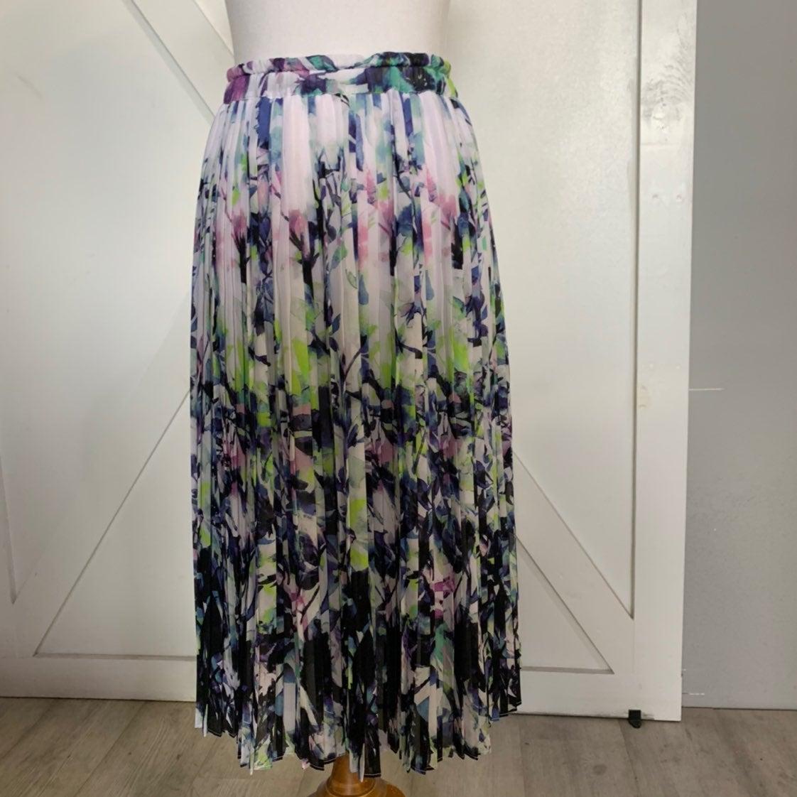 NWOT cool color toned floral skirt