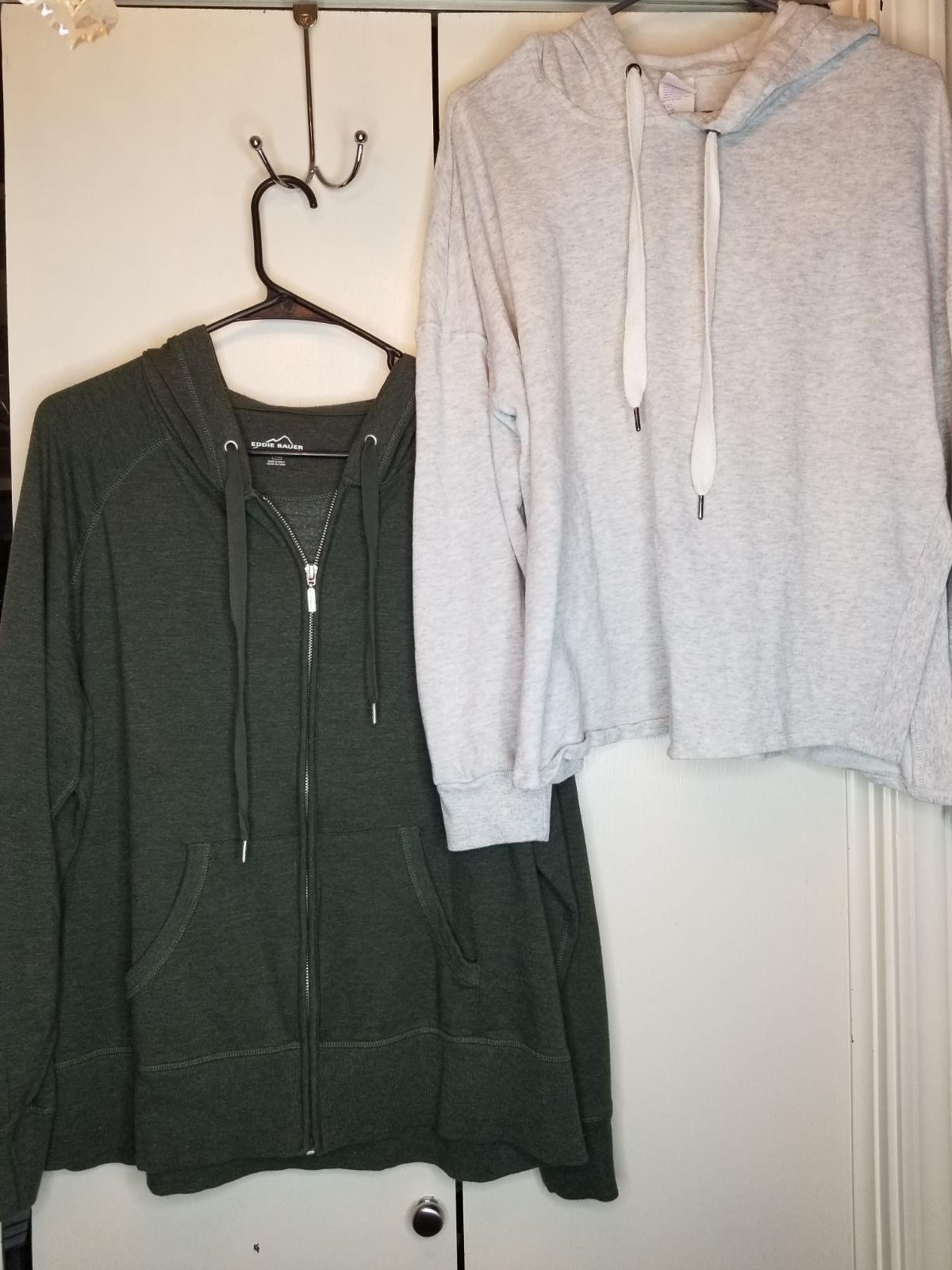 2 Hoodies - Gray & Green