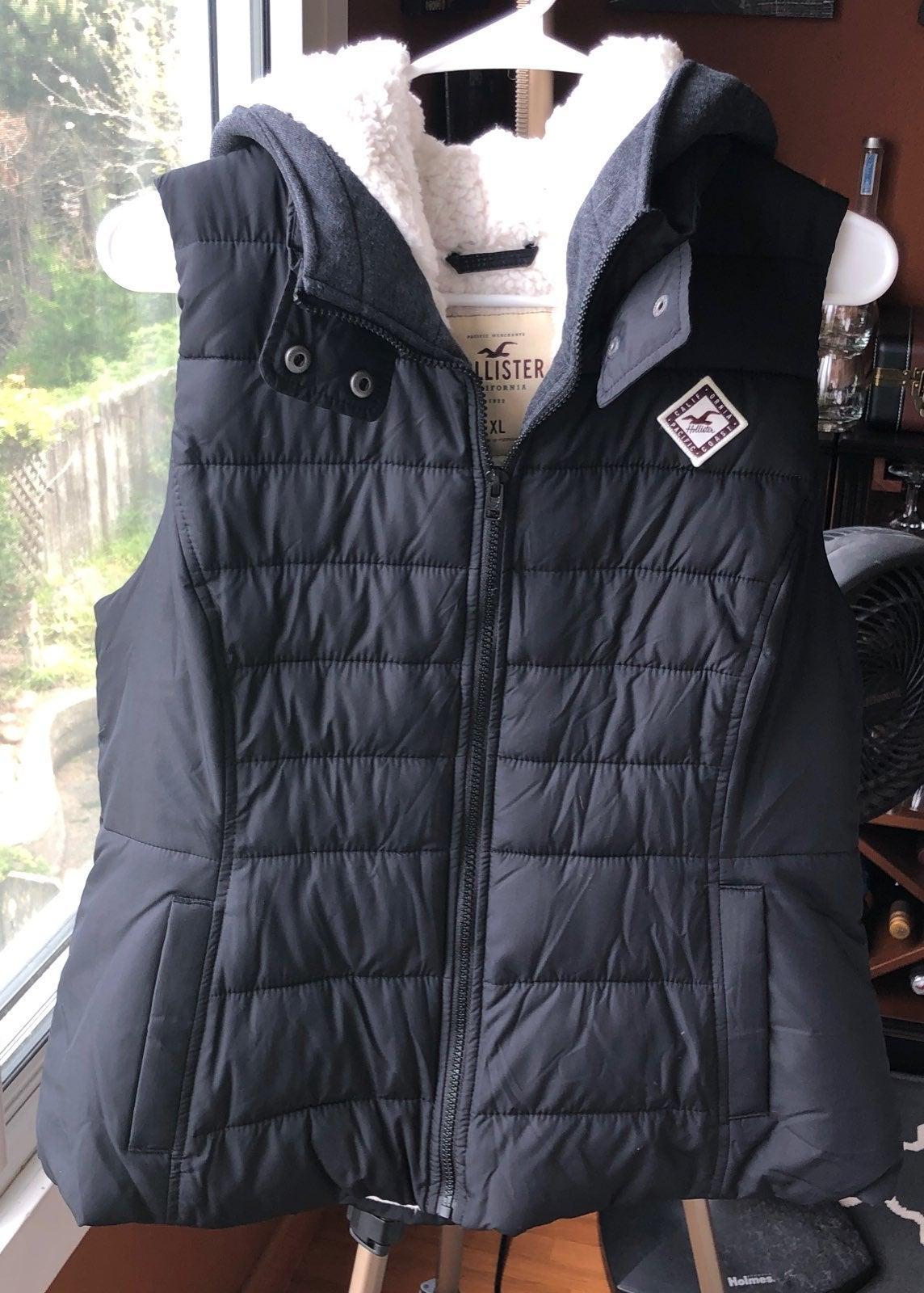 Hollister Sherpa Liner Puffer Vest