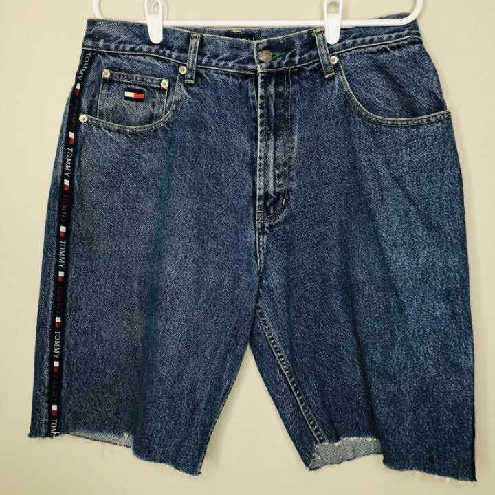 VTG 90s Tommy Hilfiger Spell Out Shorts