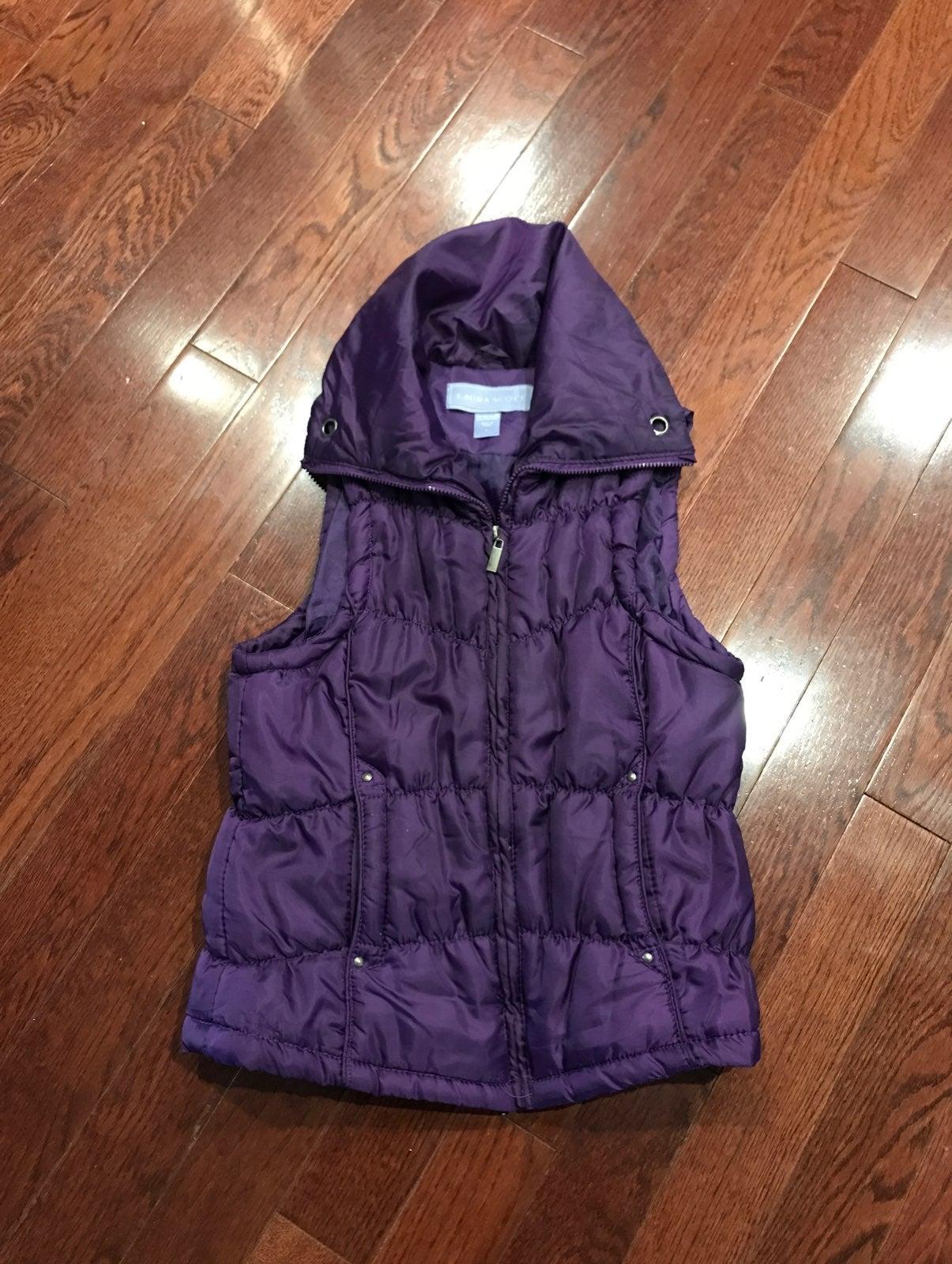Women's Puffer Vest Size L