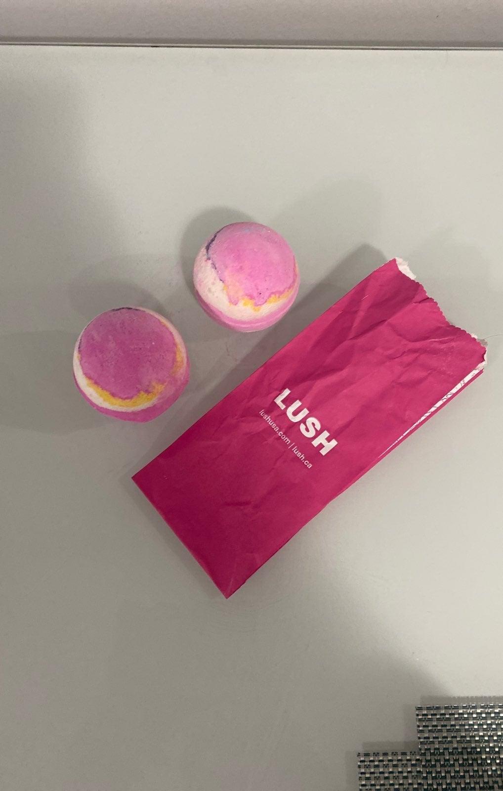 2 Lush Bath Bombs Bundle