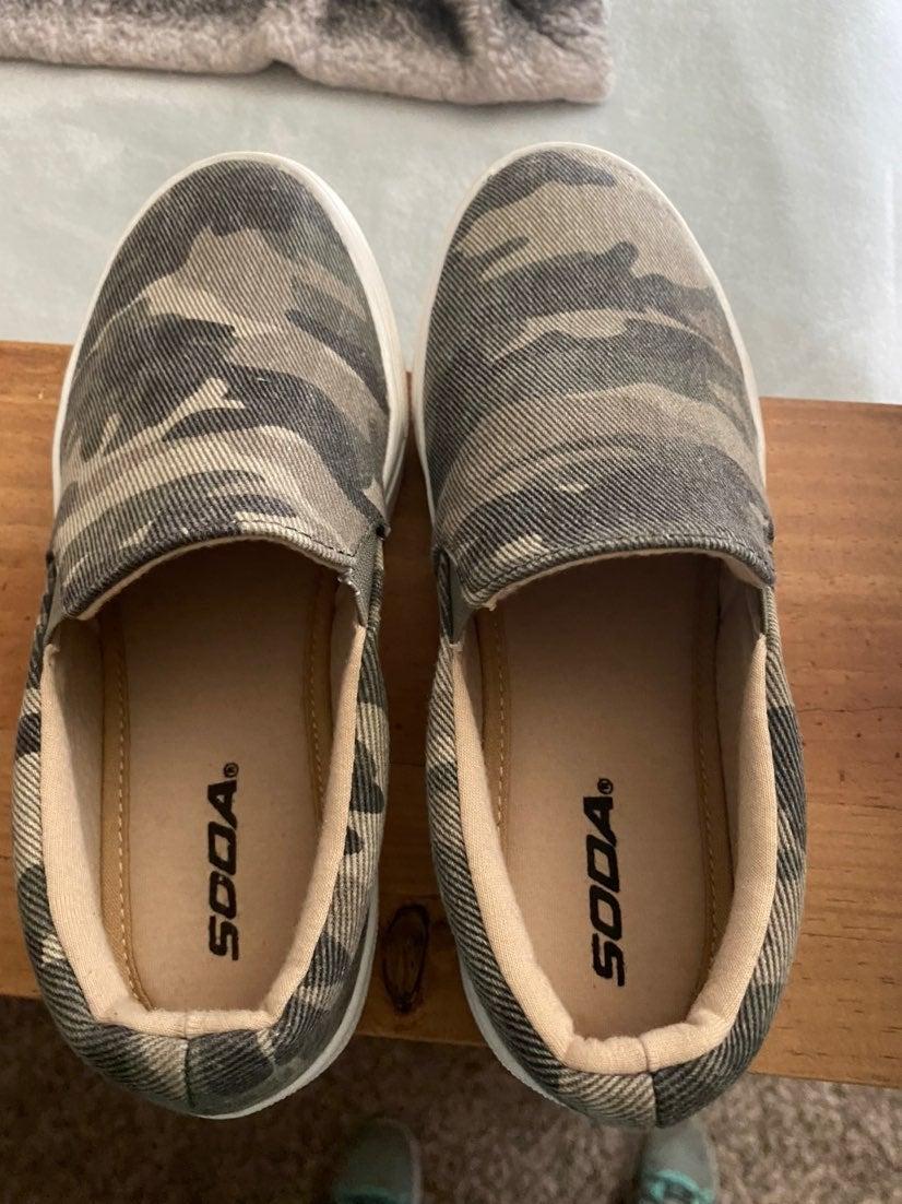 Soda camo shoes