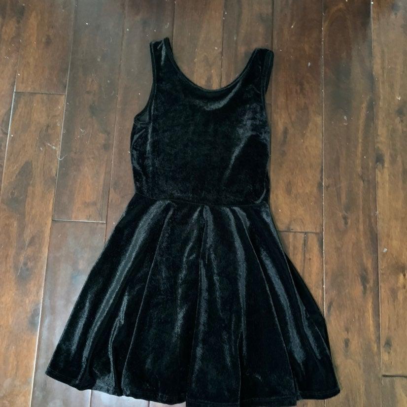 Black velvet dress size small by Interi.