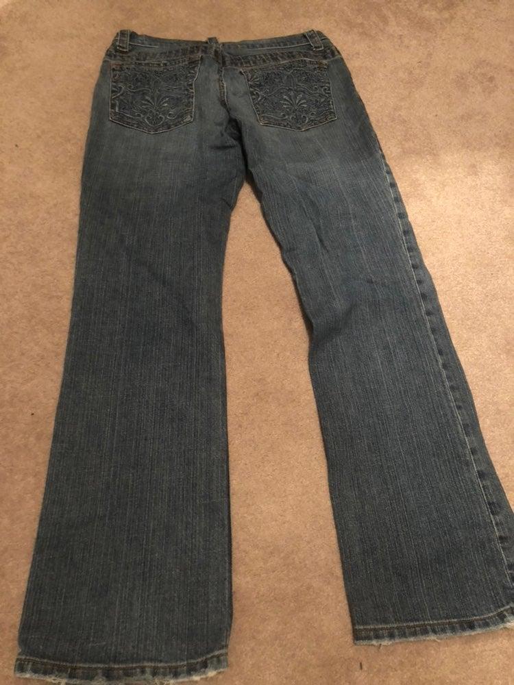 Boutique Jeans  Prob Fits A Size 6.