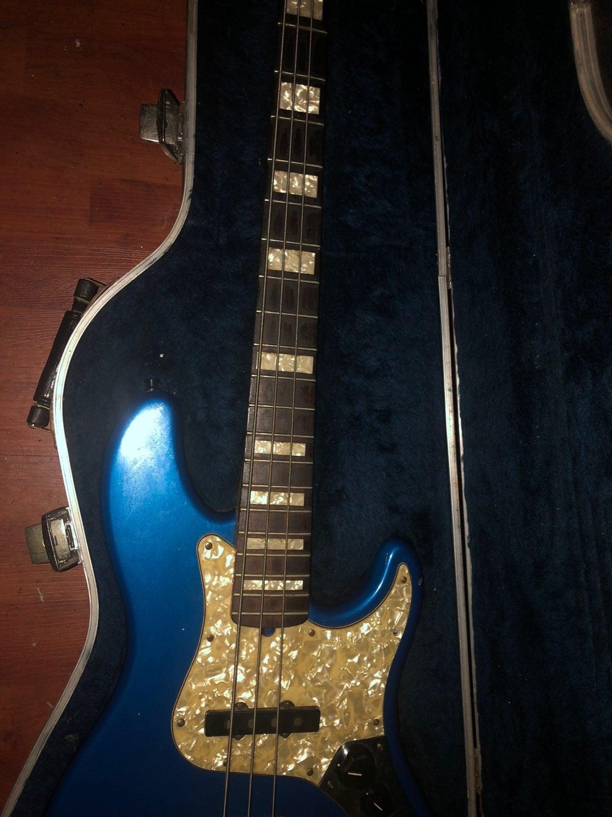 Custom Fender Jazz Bass made in USA