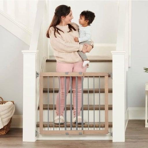 Regalo Wooden Stairway Baby Gate