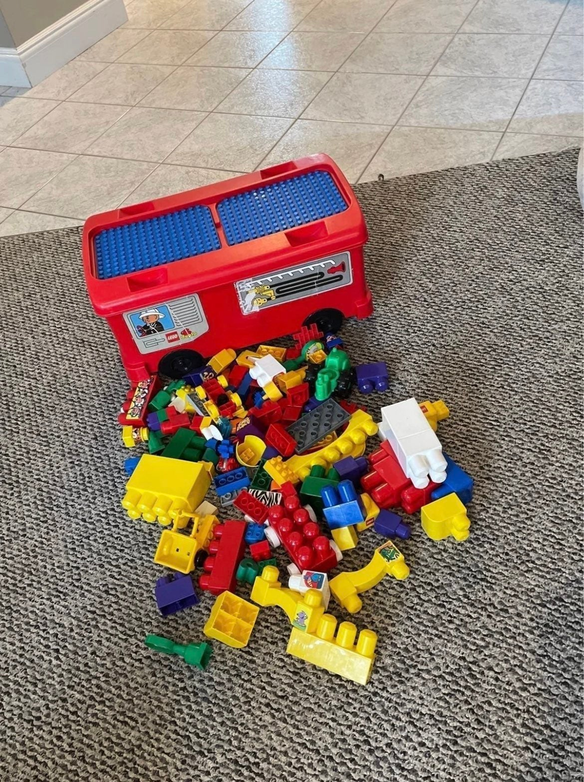 VTG LEGO DUPLO FIRE ENGINE storage