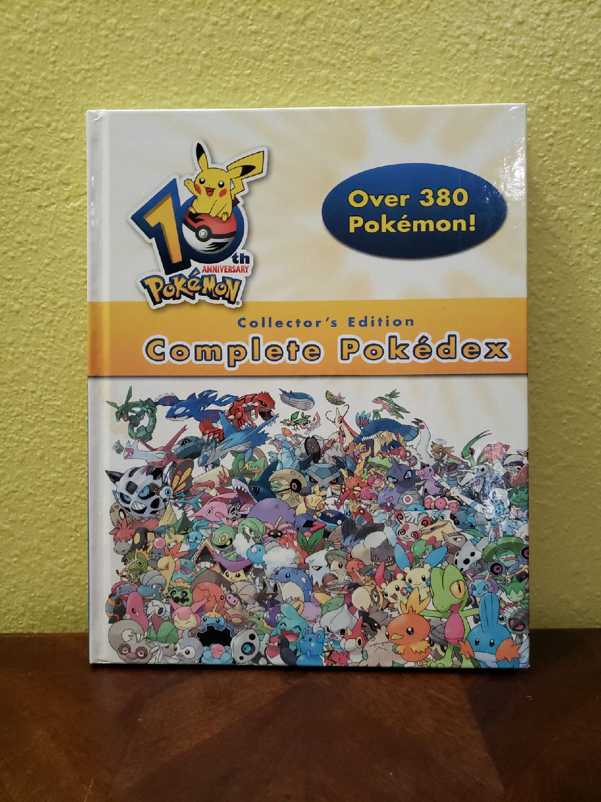 Pokémon 10th Anniversary Pokedex Book