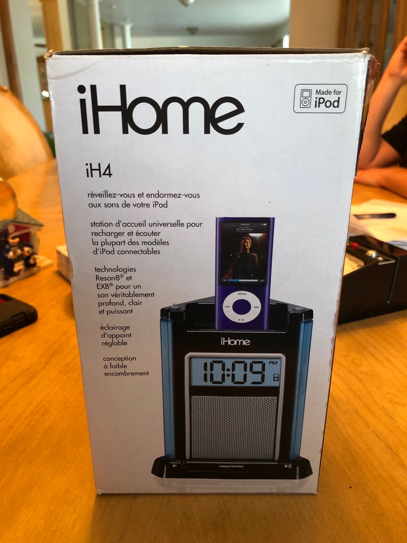 Apple IPOD iHome model iH4B LED CLOCK