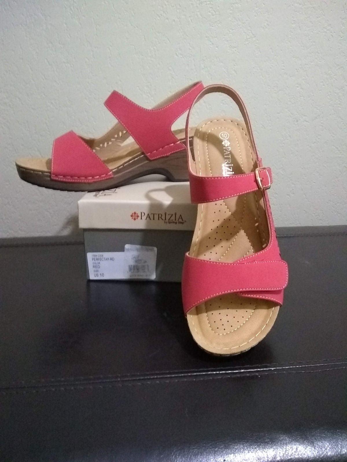 Patrizia size 10 Red Platform Sandals