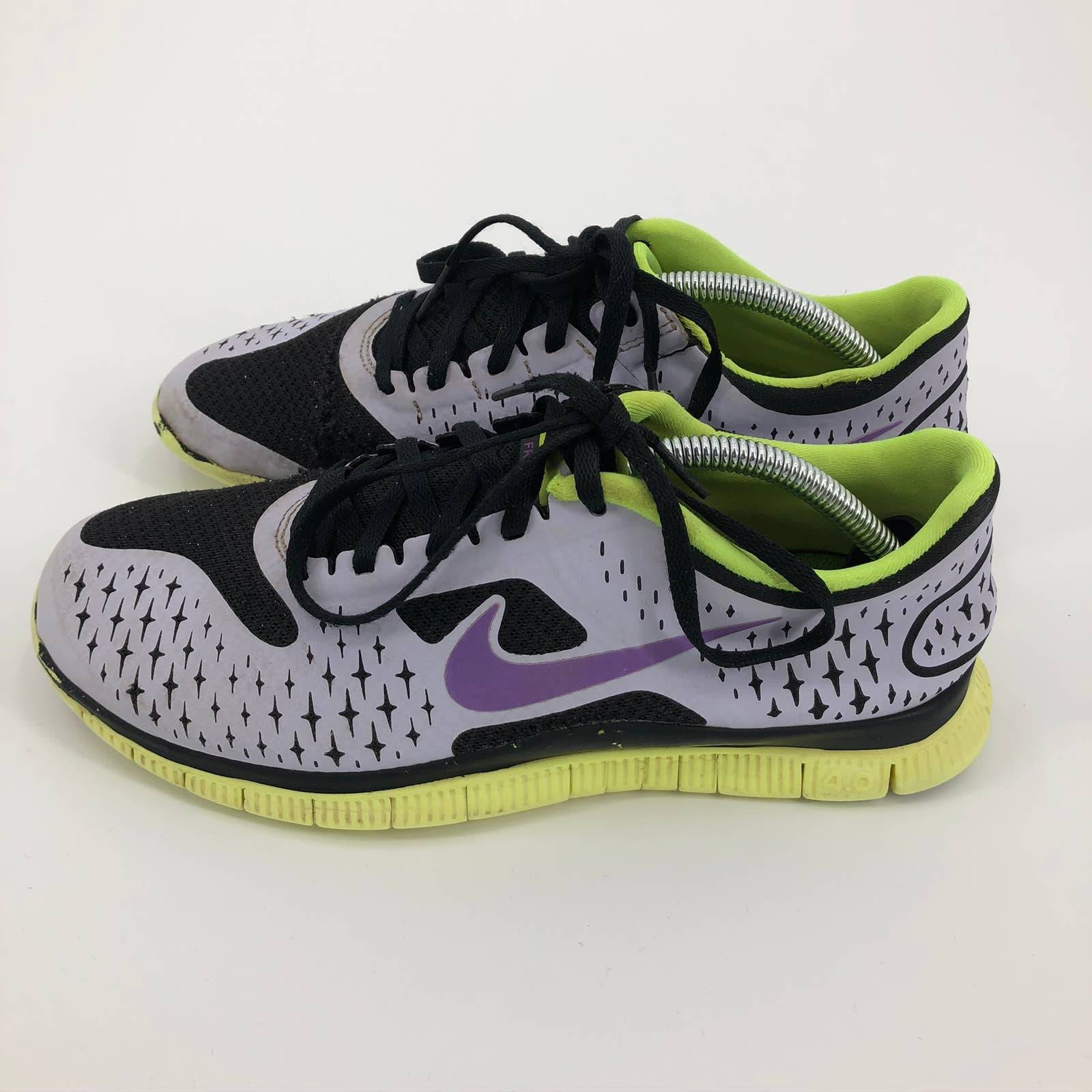 WOMENS NIKE FREE RUNNING SHOES Size 8