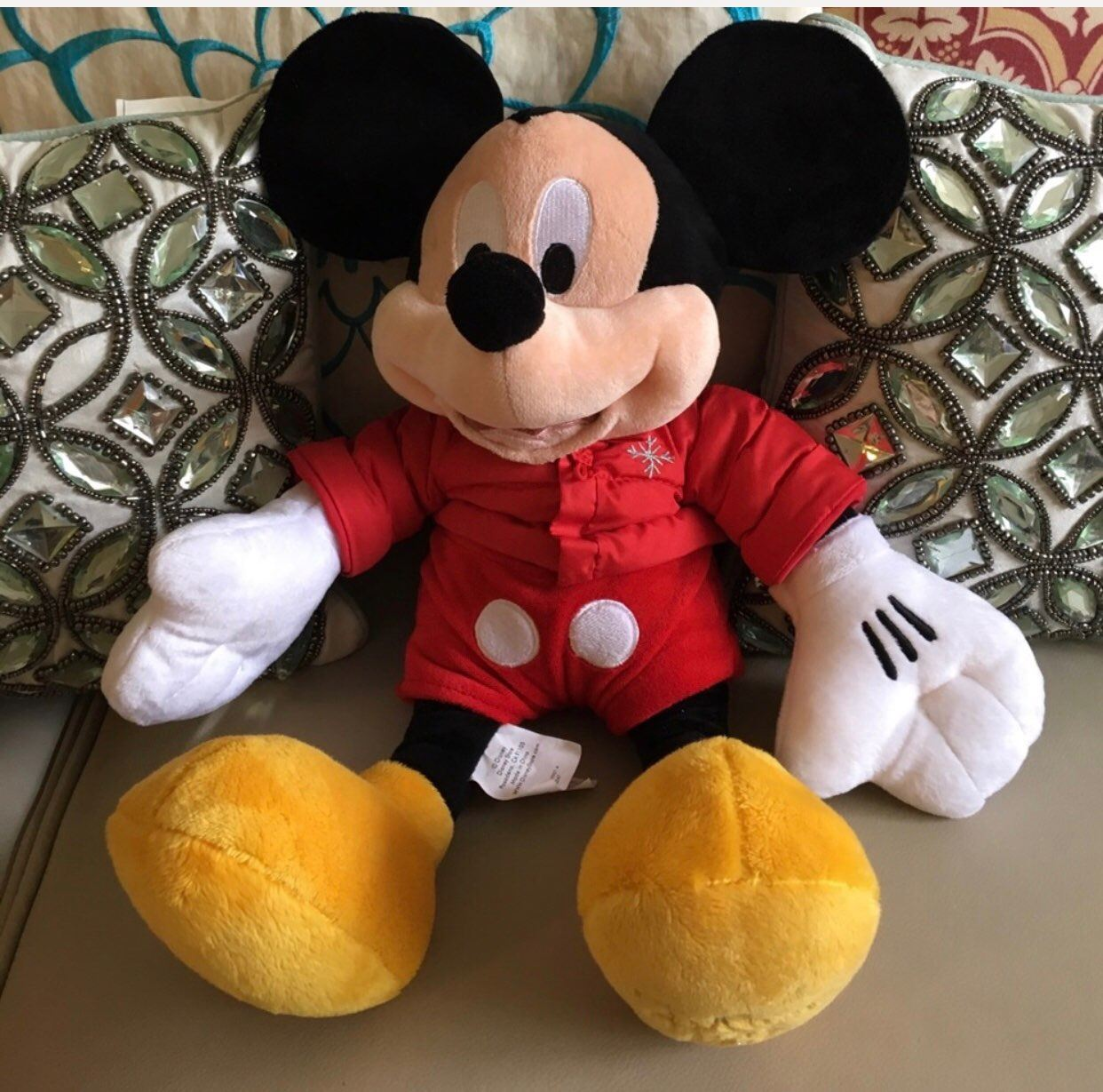 Disney 2010 Mickey Mouse Posh 16 Inch