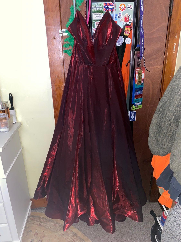 Sherri Hill wine color size 16