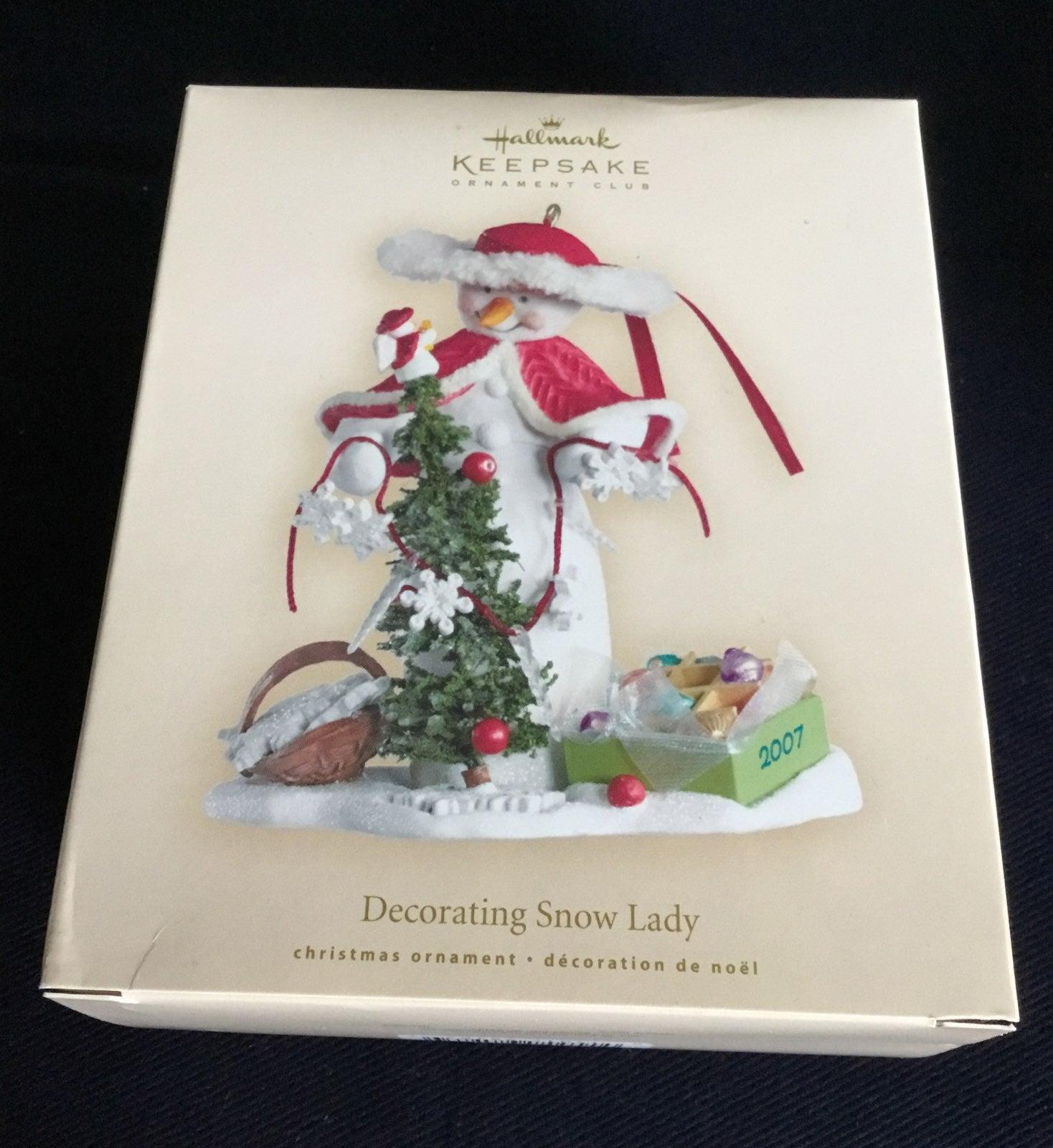 Hallmark Keepsake - Decorating Snow Lady