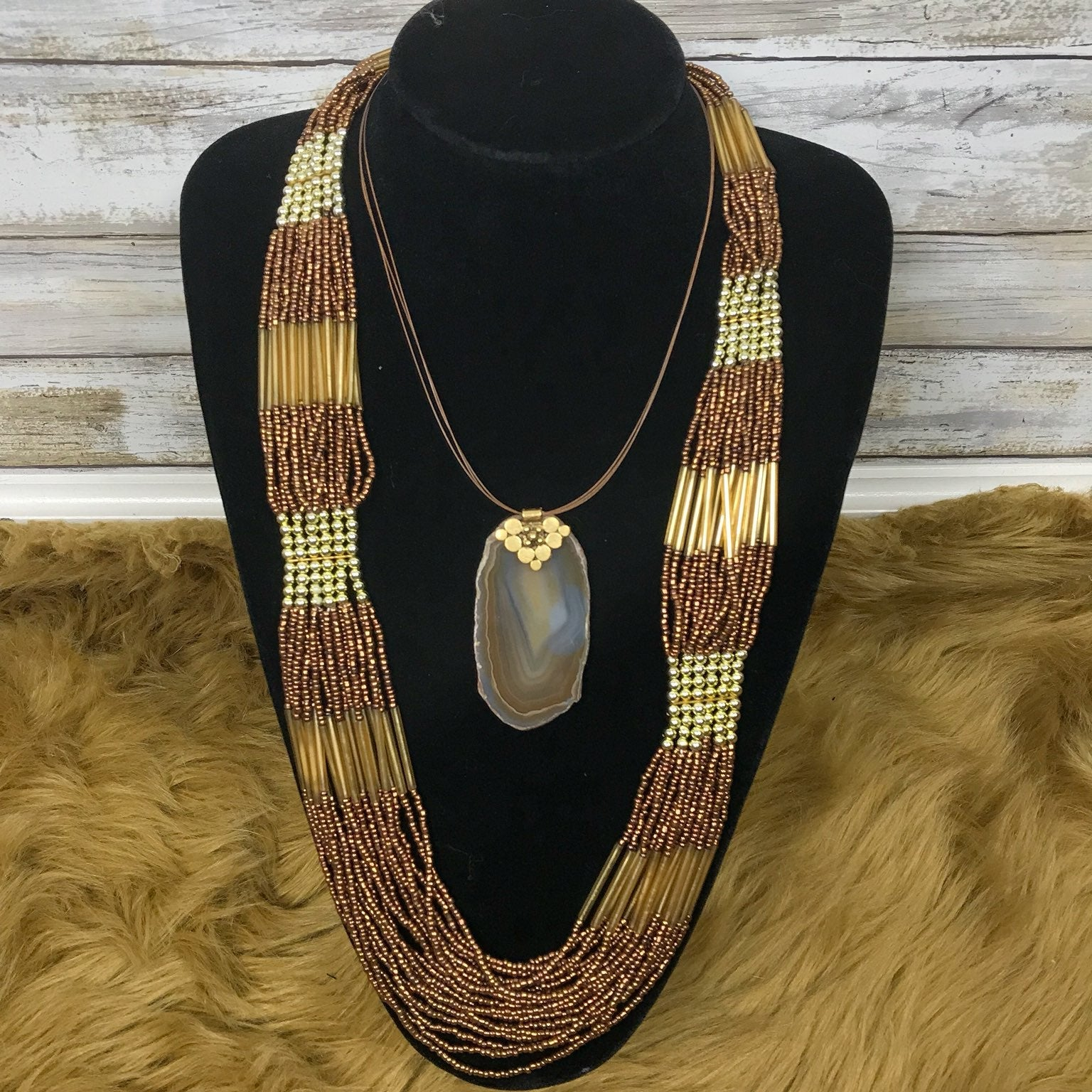 Lonnie Lovness Necklace & Bead Necklace