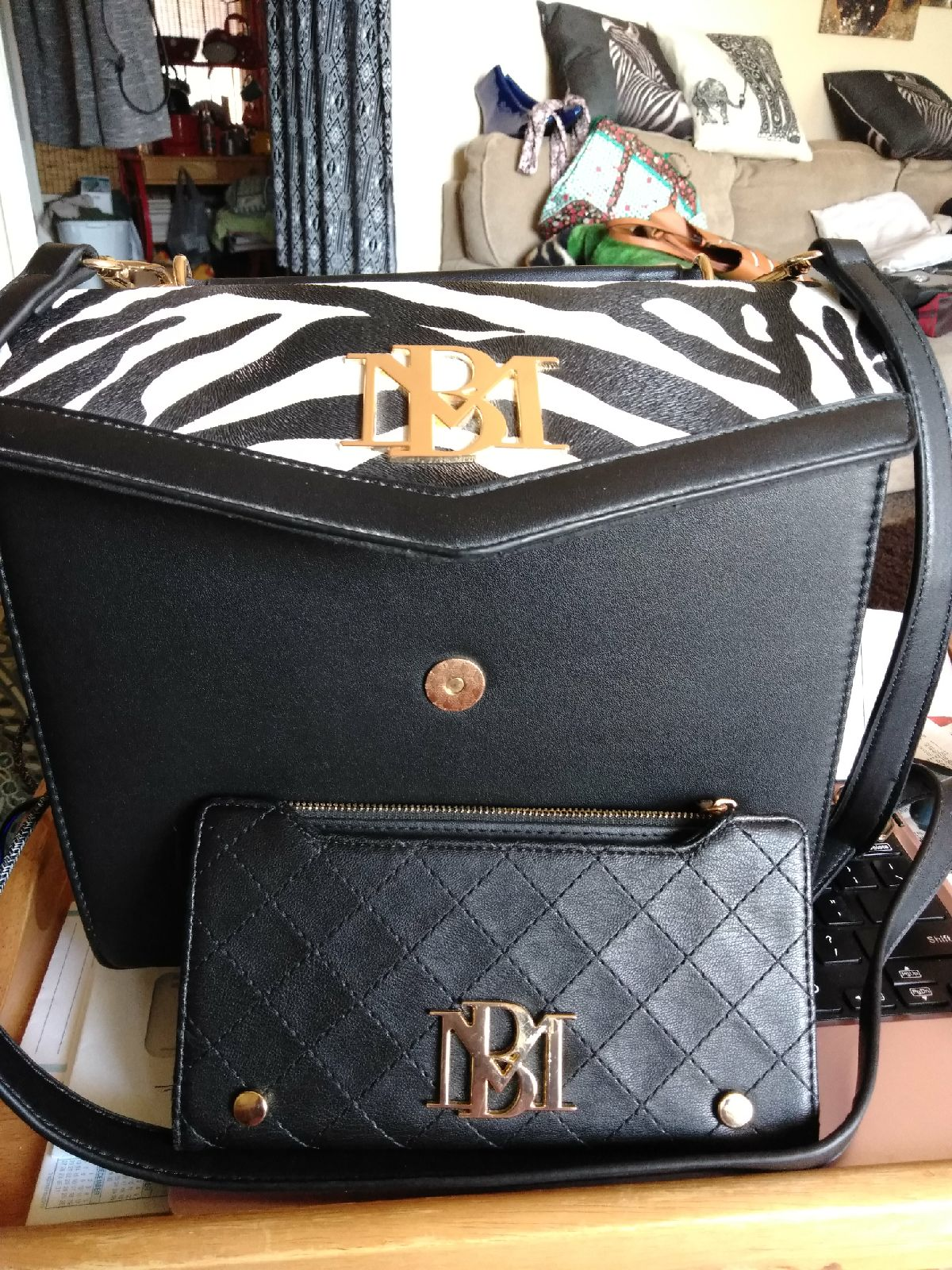purses and handbags and Wellet