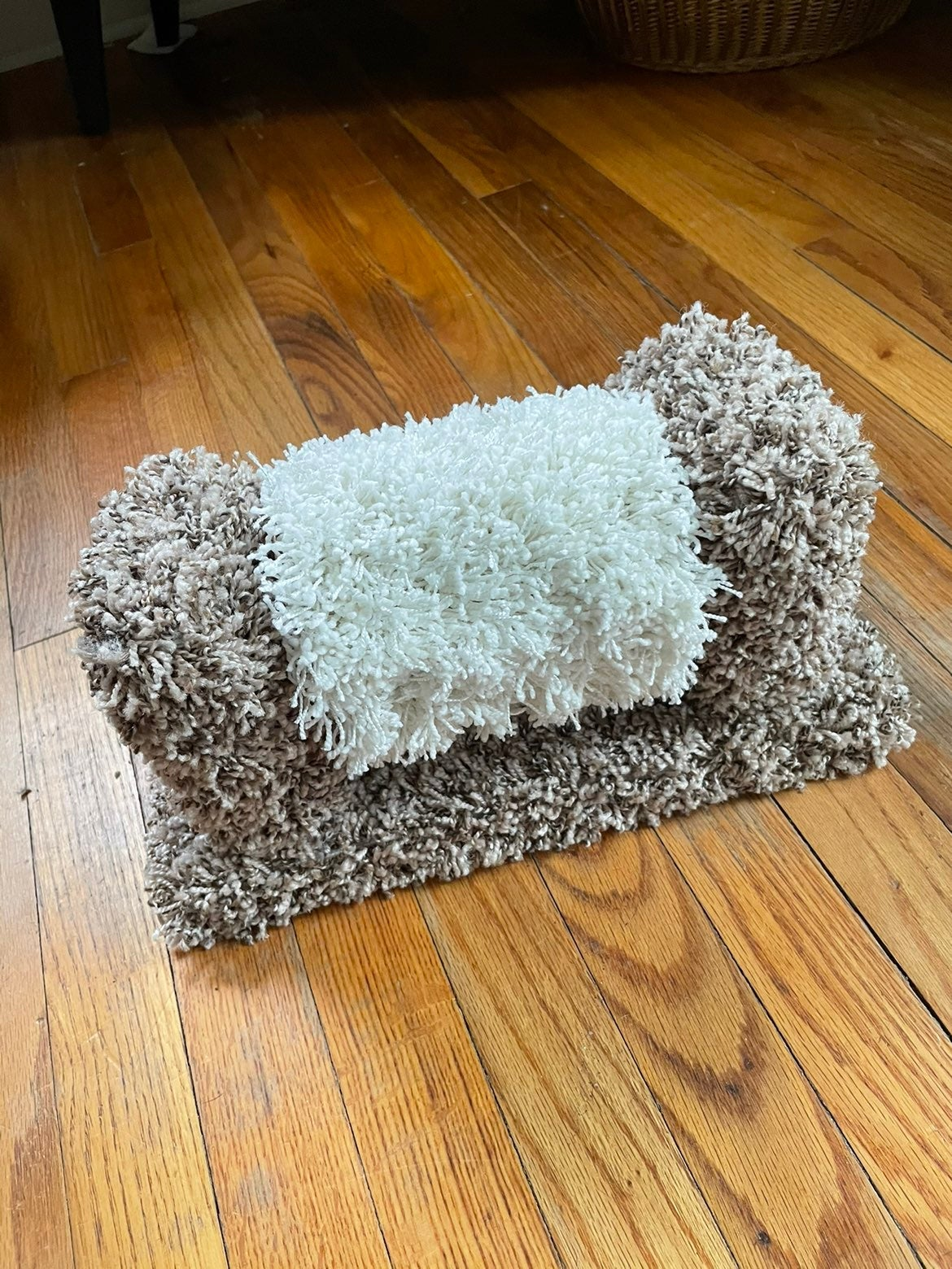 Cat scratching post toy