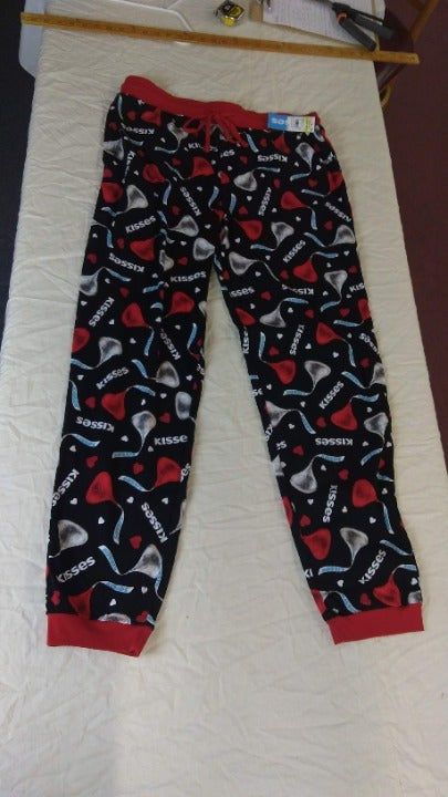 Hershey's Kisses lounge pants new Large
