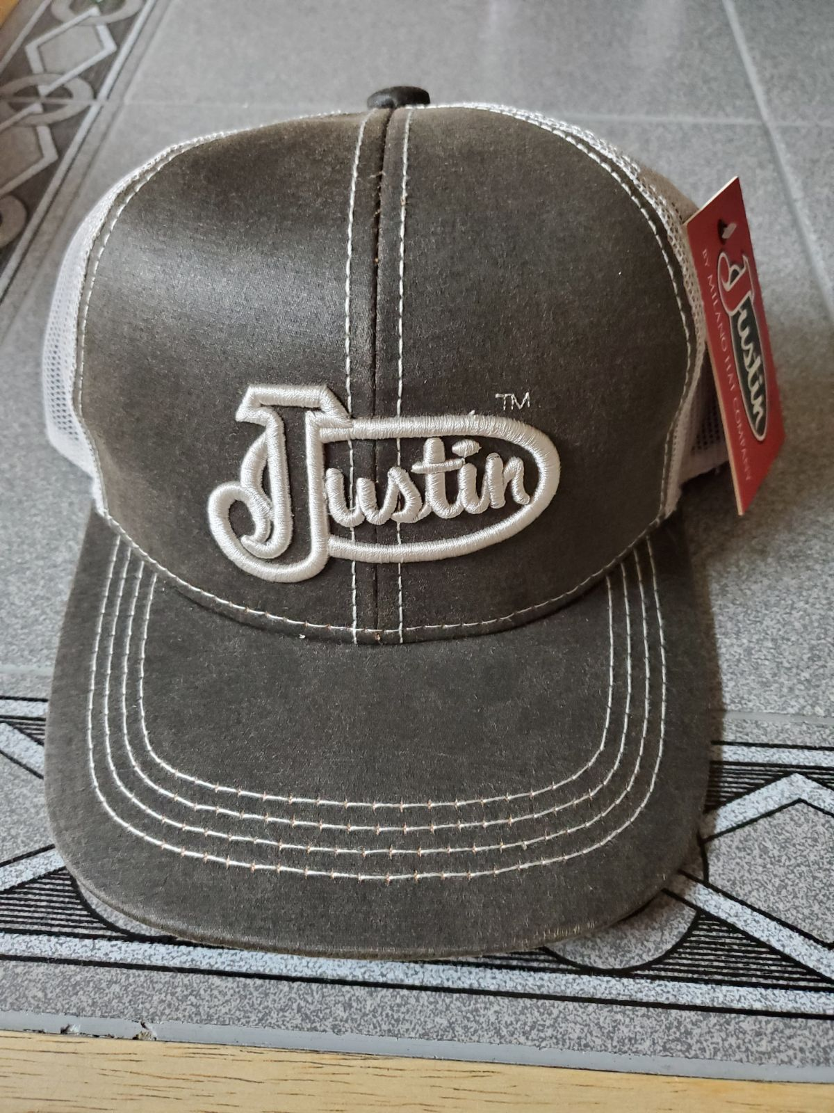 justin boots hat