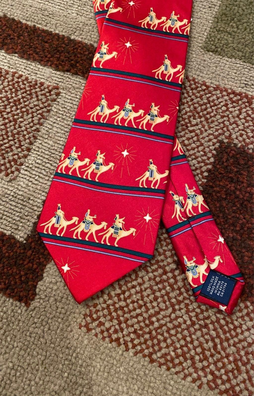 Traditional Christmas tie NWT