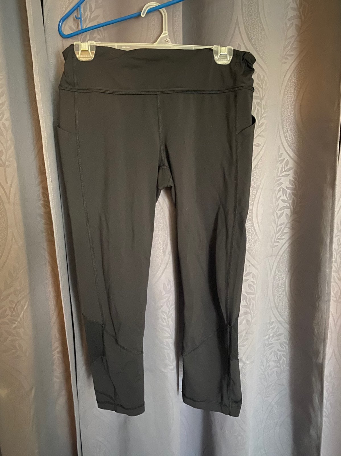 Lululemon Black Sz 10 capri Leggings