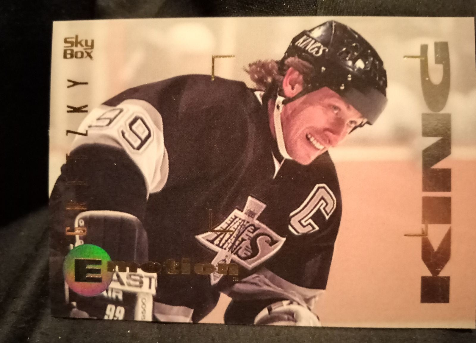 Wayne Gretzky 1995 Skybox Emotion King