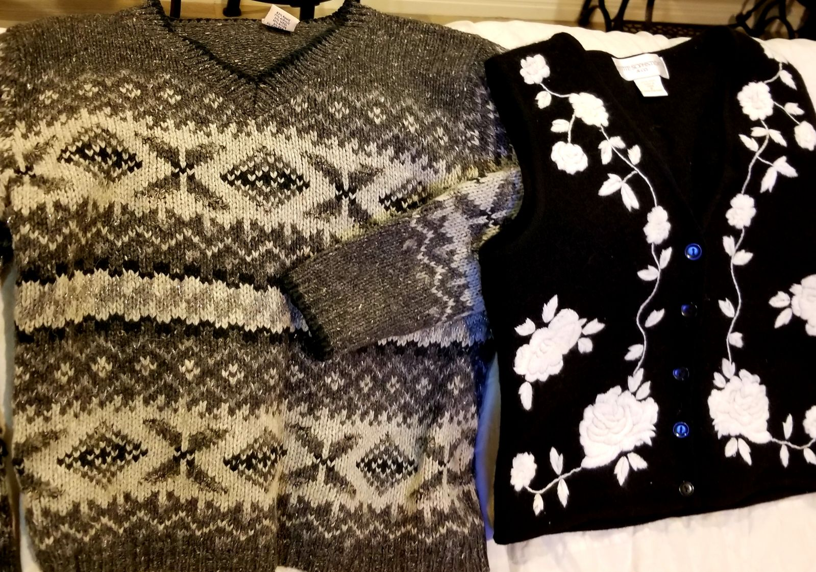 2 lot sweater+vest black grey small flow
