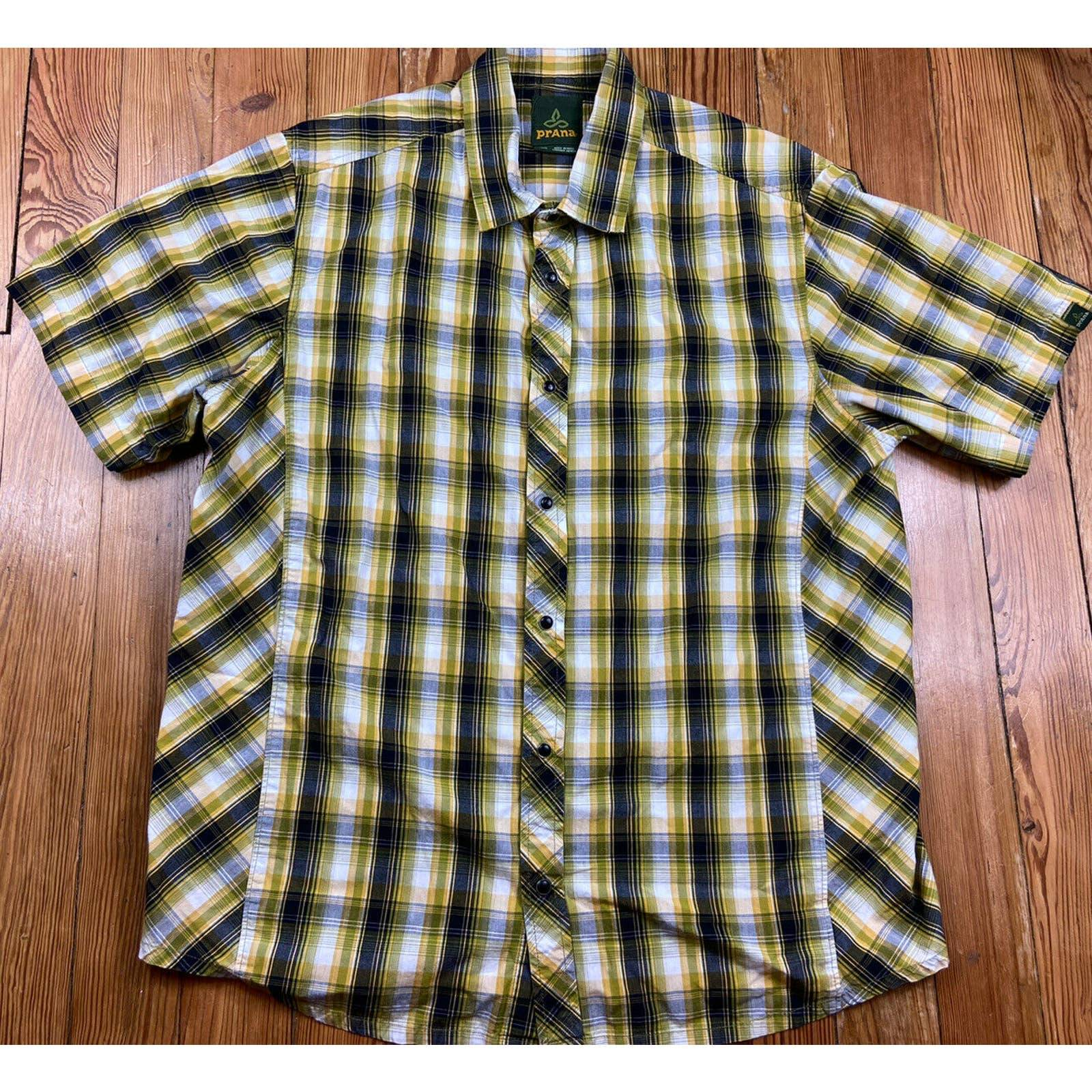 prAna Mens SS Button Down Plaid EUC SZ L