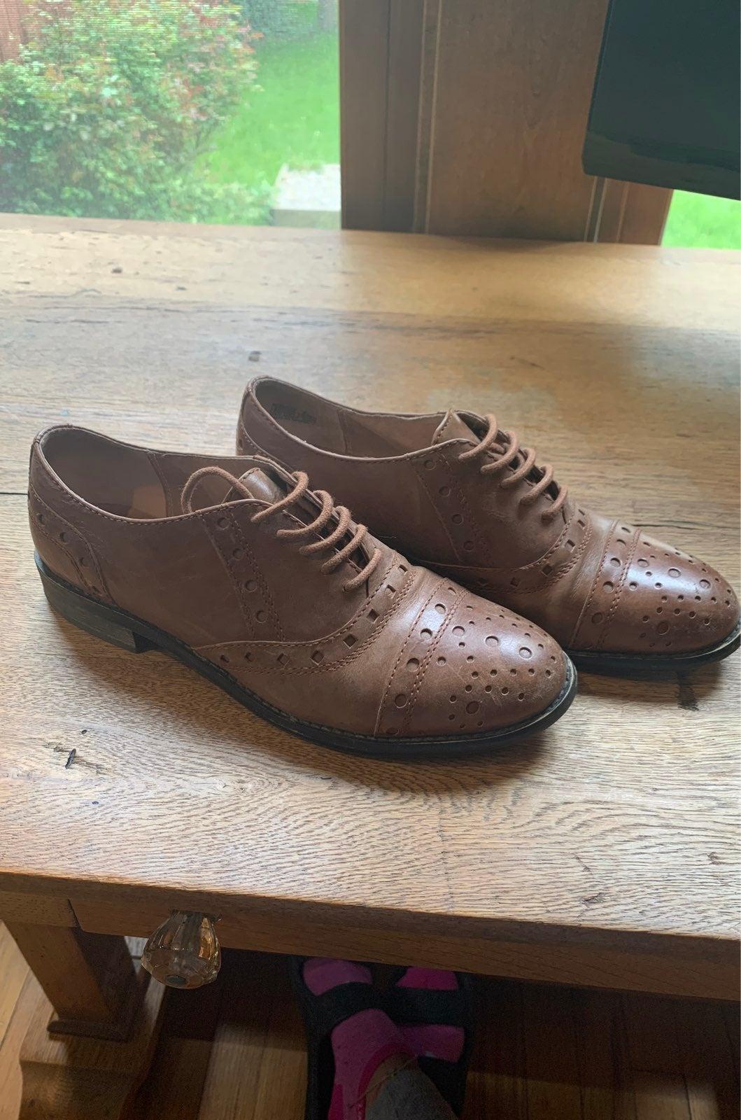 Miz mooz brown leather lace up shoe