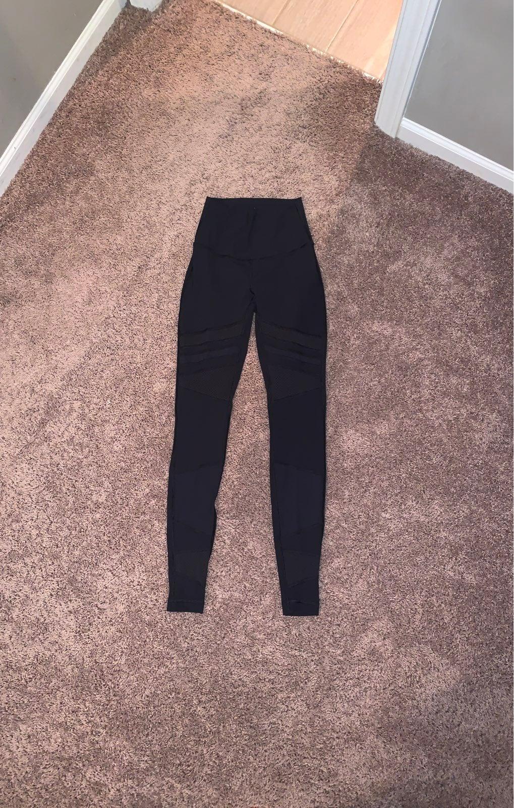 black mesh lululemon leggings size 2