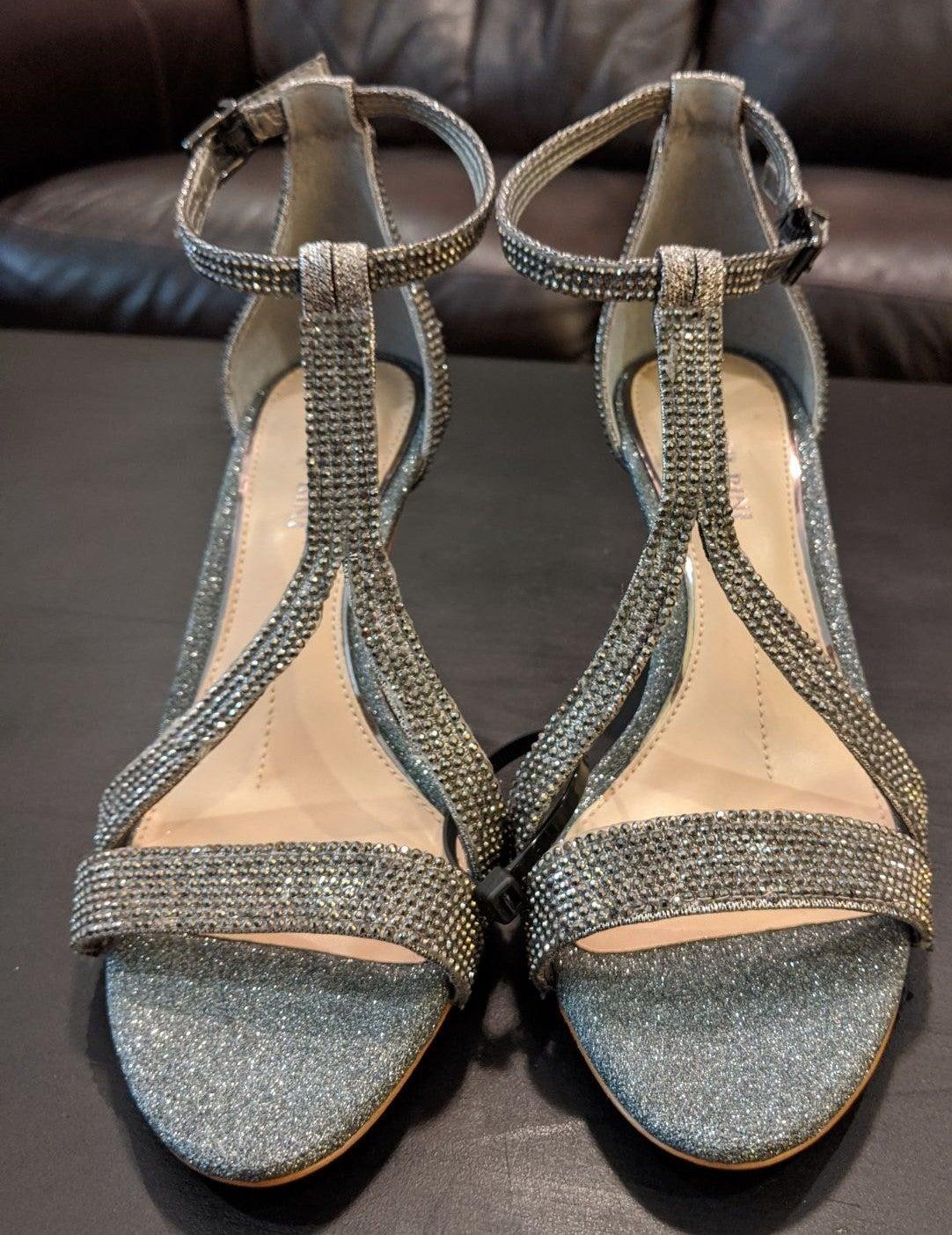 Gianni Bini Linadora Graphite Heels