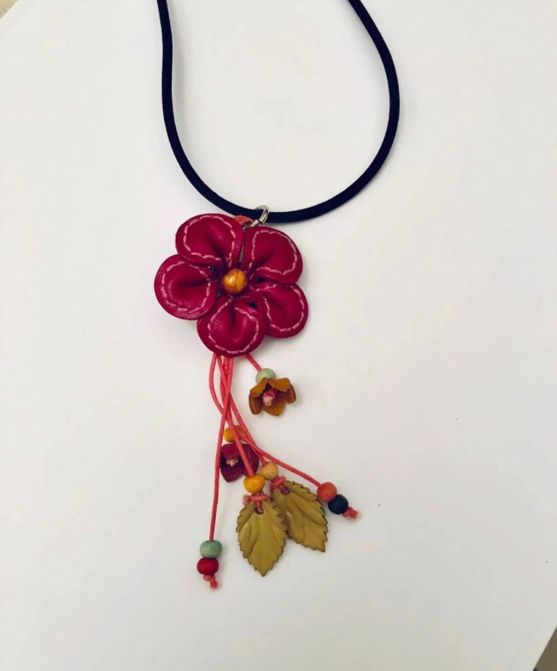 Leather flower pendant necklace NEW