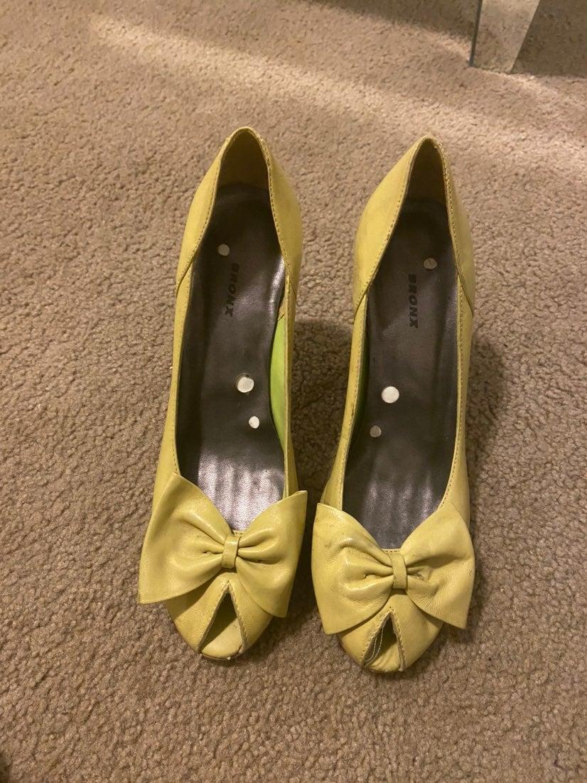 Peep Toe Bow Heel