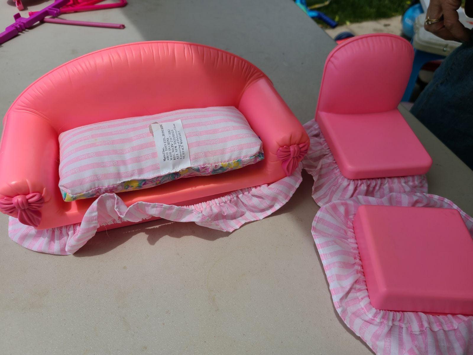 Vintage Barbie sofa set