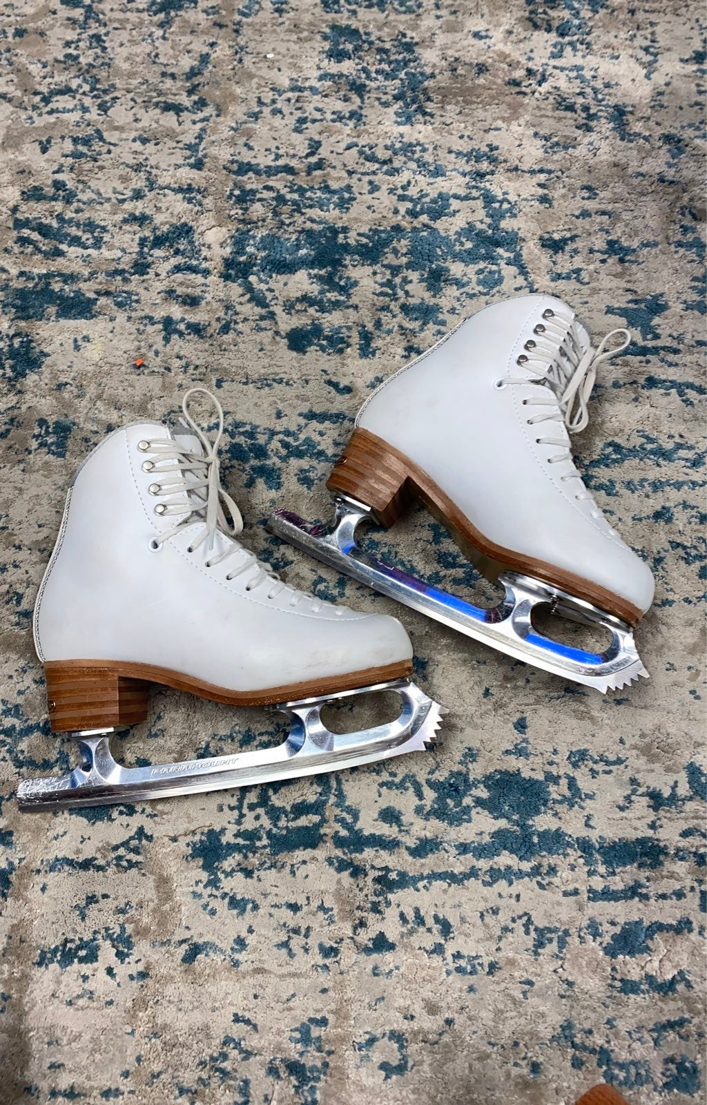 5.5 Jackson Debut ice figure skates